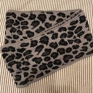 Betsey Johnson infinity winter scarf